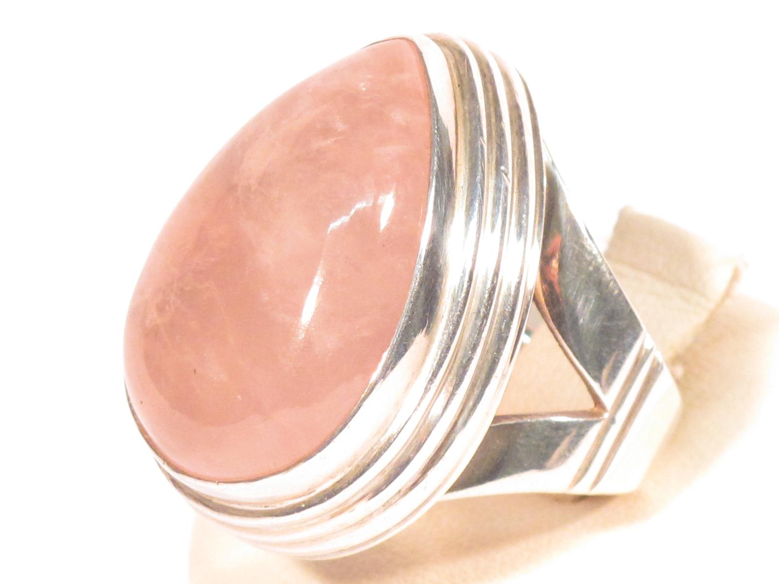 Anello in argento e quarzo rosa