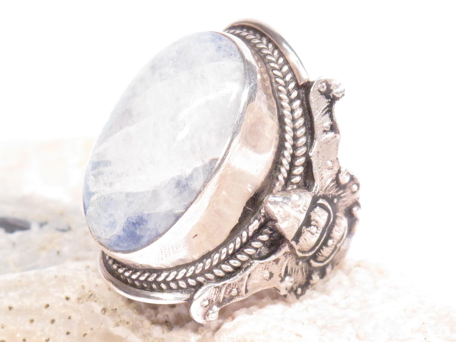 100% de satisfaction paquet à la mode et attrayant 2019 professionnel Anello in argento e pietra di luna