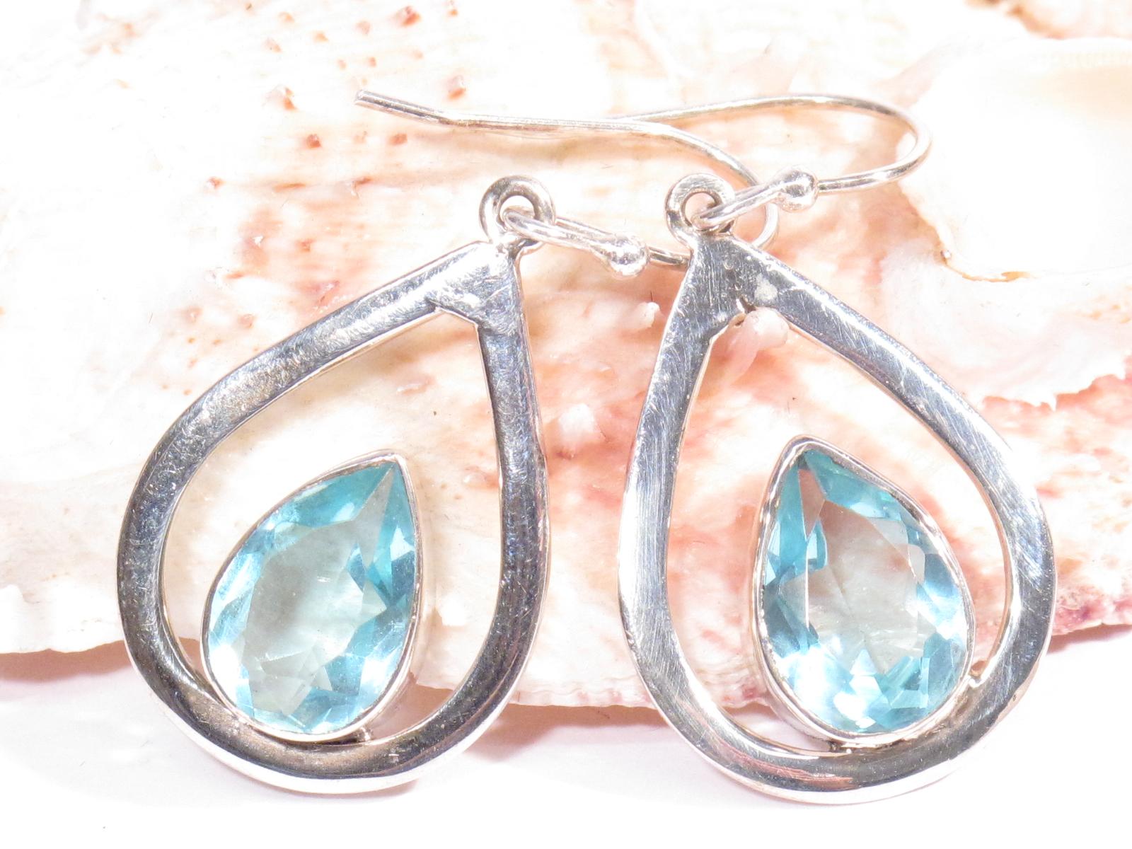Orecchini in argento e topazio azzurro