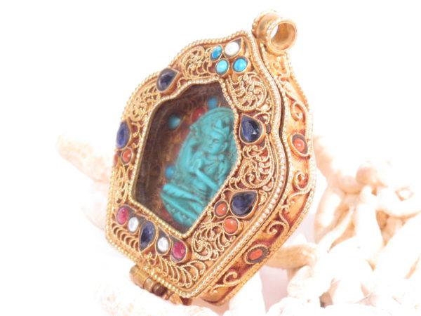 ghau tibetano in argento dorato e pietre semipreziose