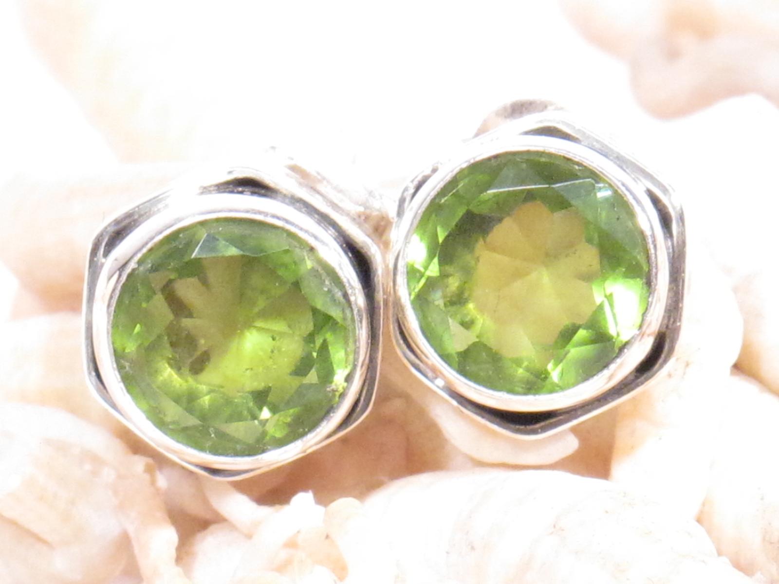 orecchini in argento e peridoto