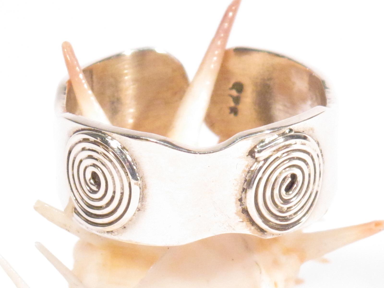 anello a fascia argento berbero spirali