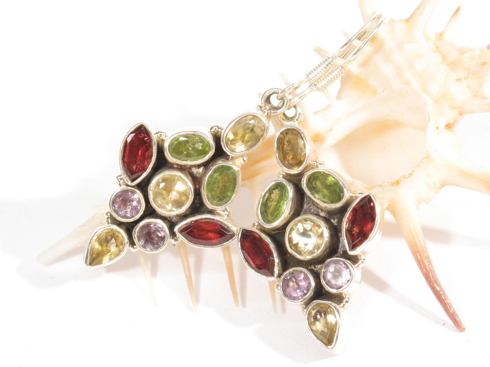orecchini nepalesi in argento e pietre multicolor
