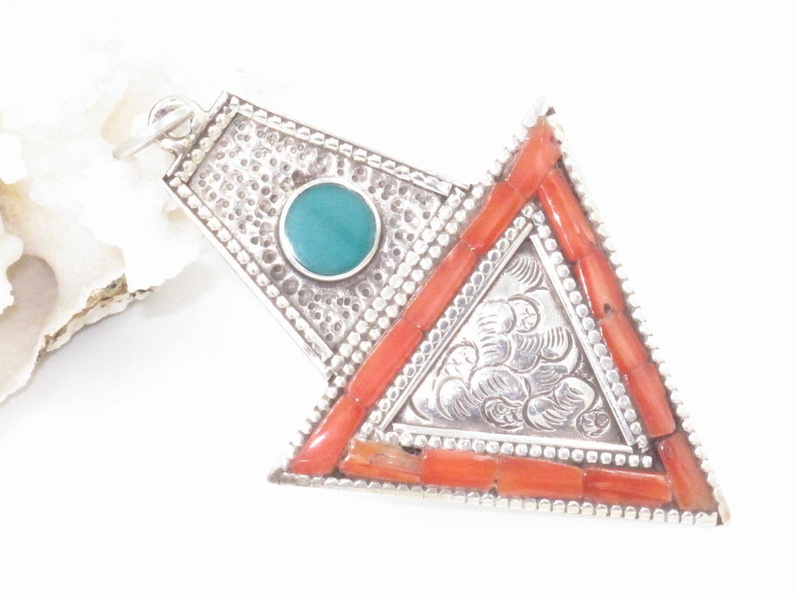 pendente tibetano argento corallo e turchese