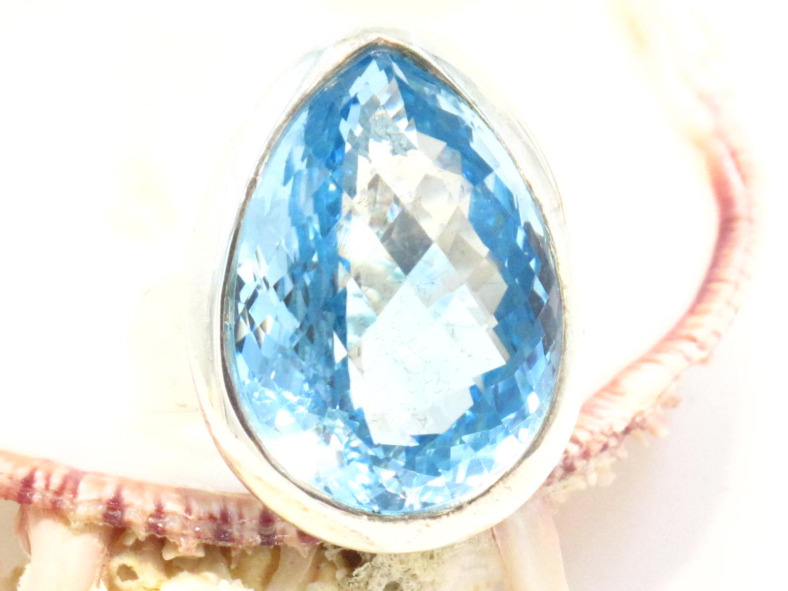 anello nepalese in argento e topazio azzurro