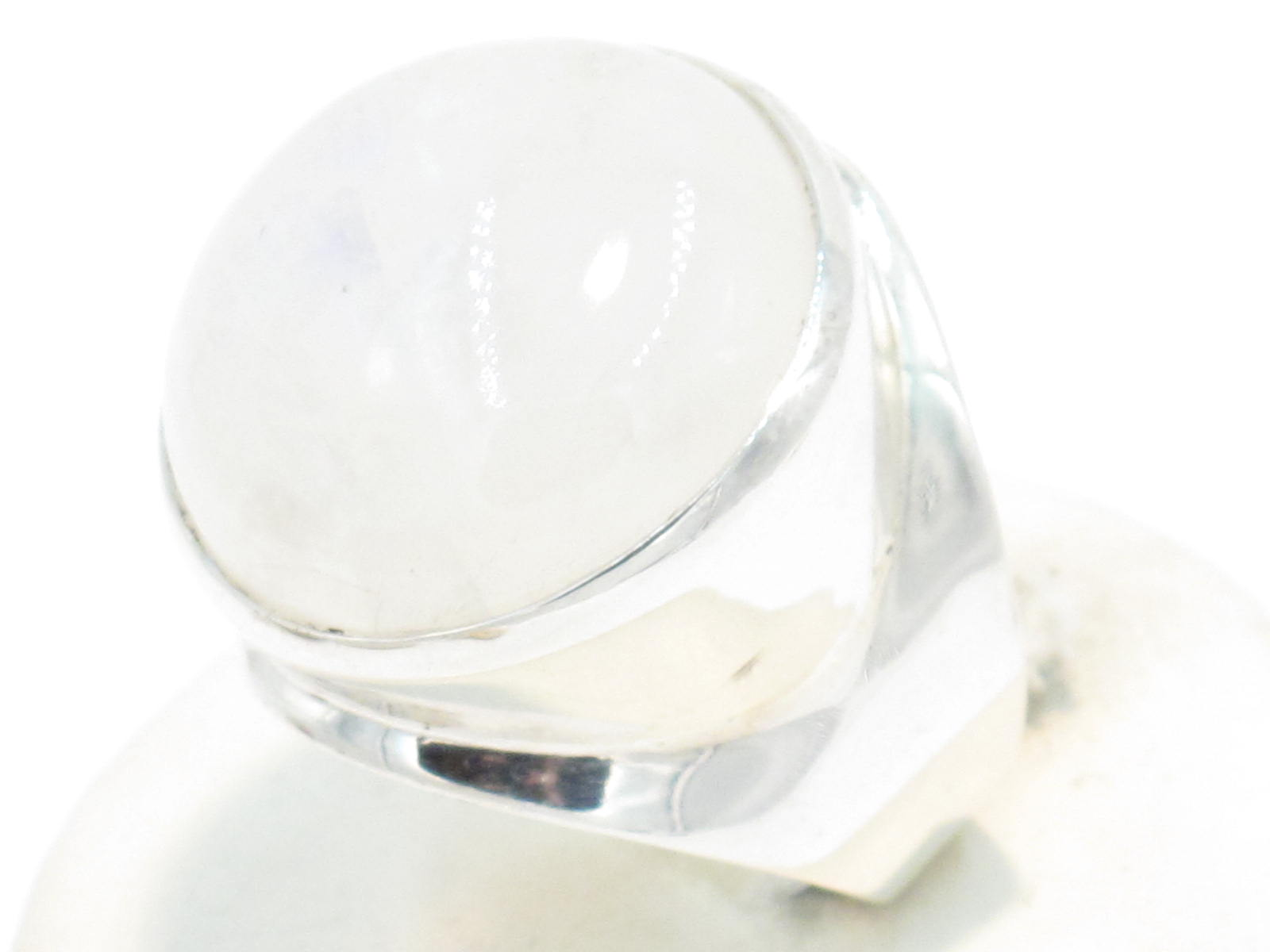 anello nepalese in argento e pietra di luna