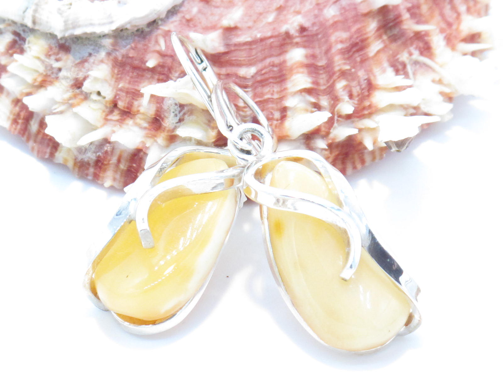 orecchini in argento e ambra grezza