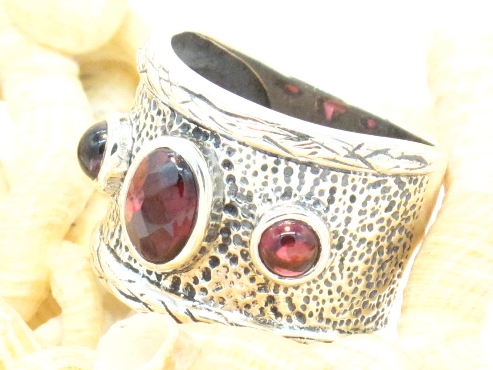 anello fascia granato