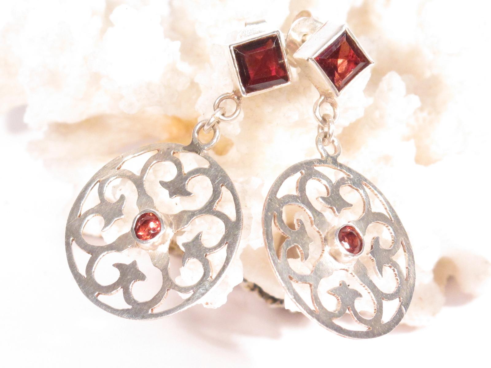 orecchini in argento e granato