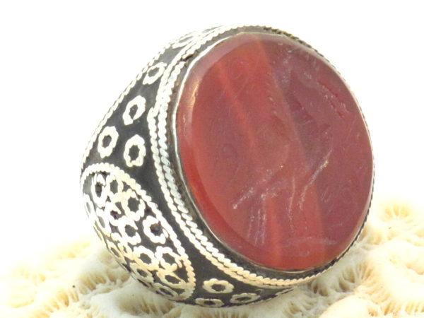 anello etnico in argento e corniola incisa