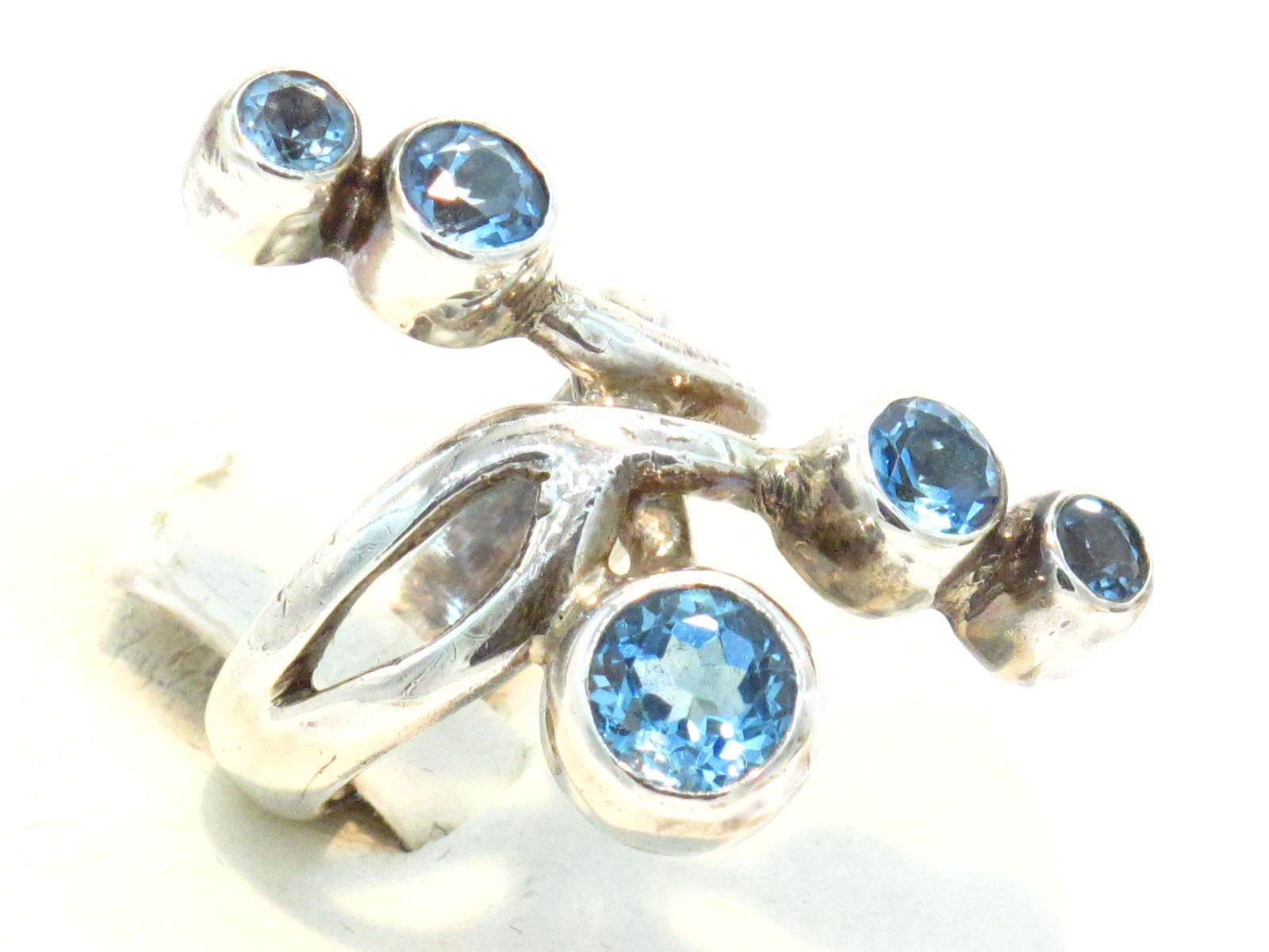 anello in argento e topazio azzurro