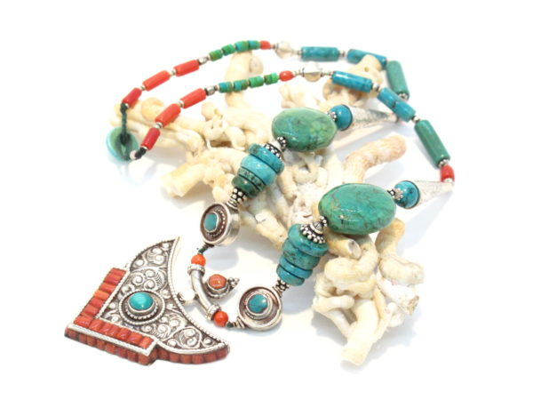 collana tibetana in argento turchese e corallo