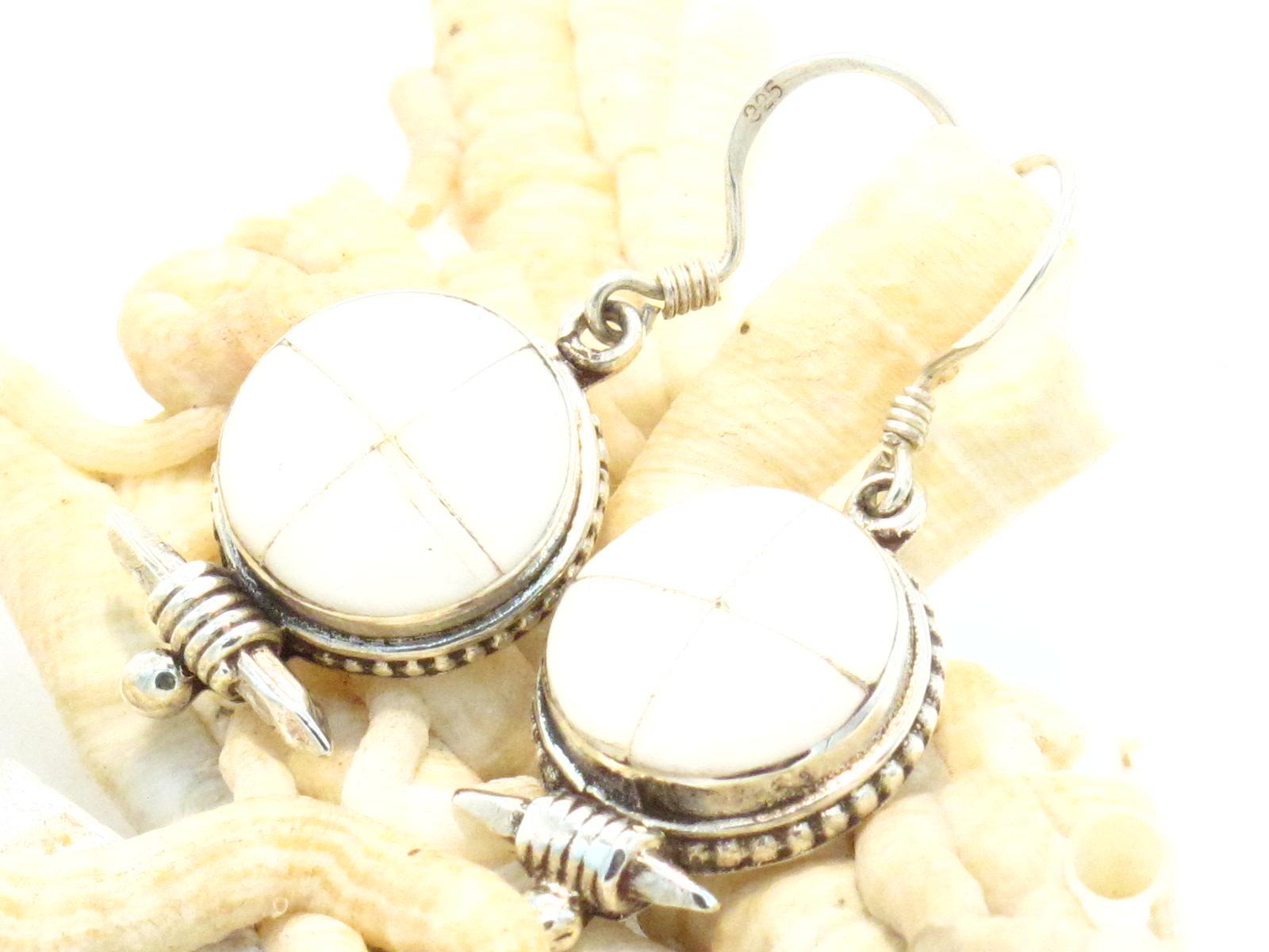 orecchini ghau in argento e madreperla
