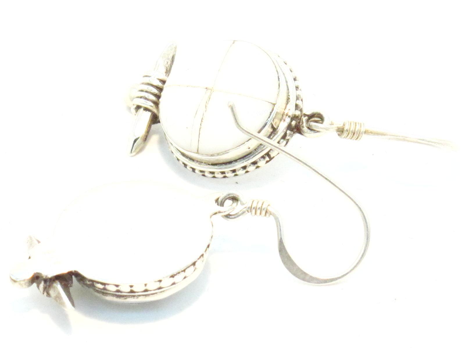 orecchini in argento e madreperla