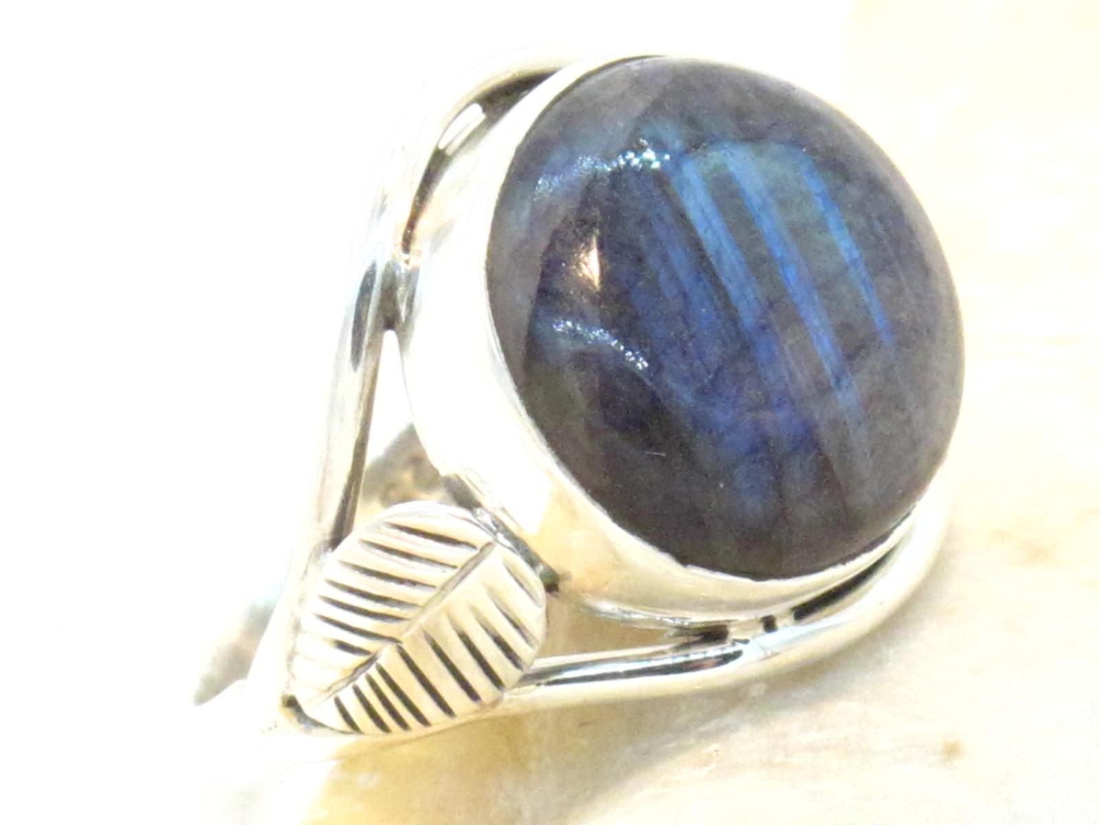 anello in argento e labradorite