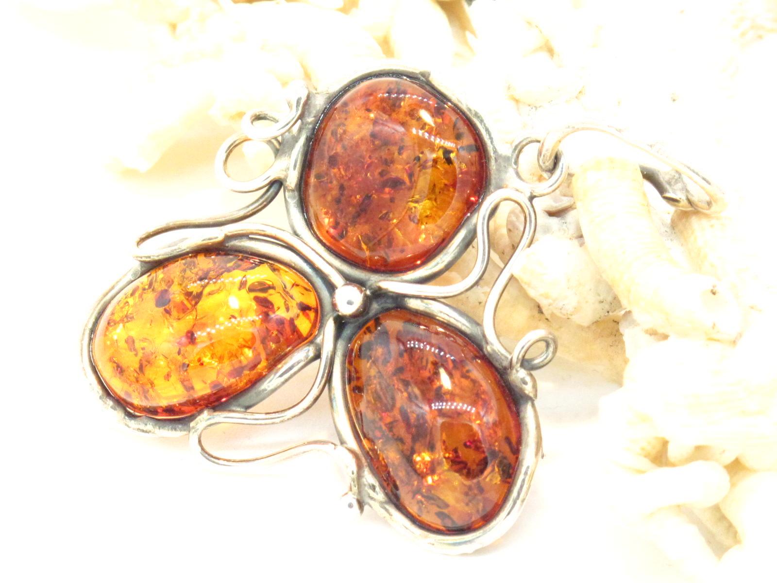 pendente in argento e ambre baltiche