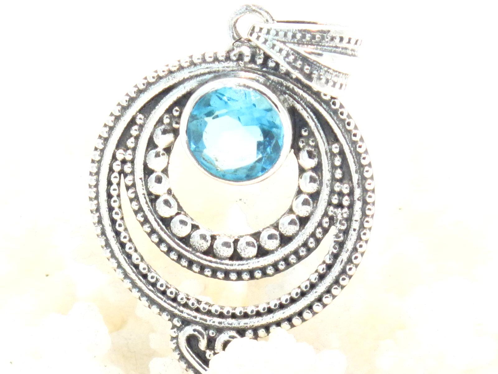 pendente argento e topazio azzurro