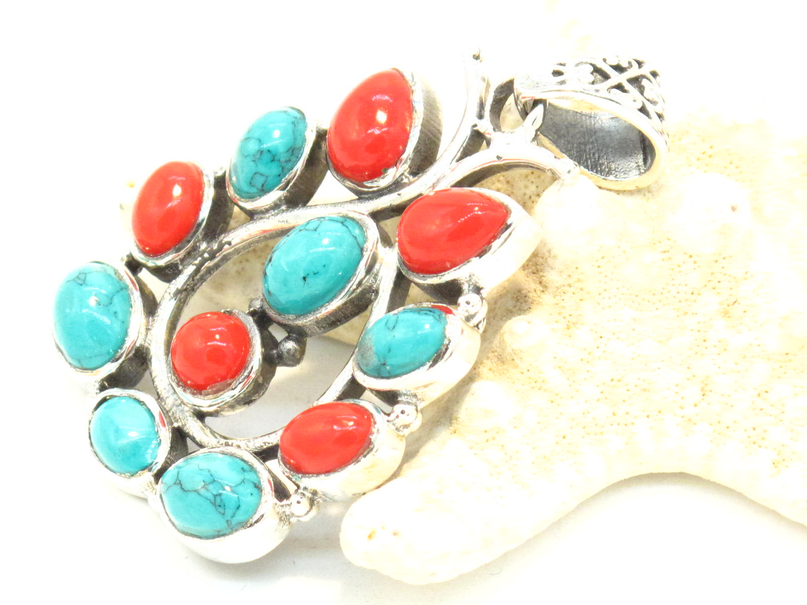 pendente in argento turchese e corallo