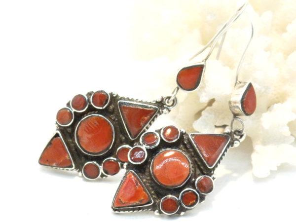 orecchini tibetani in argento e corallo
