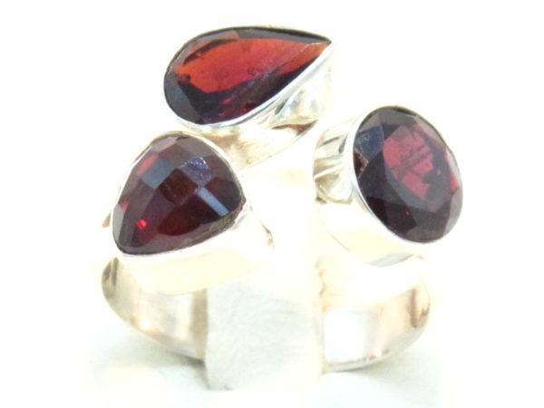 anello in argento e granato