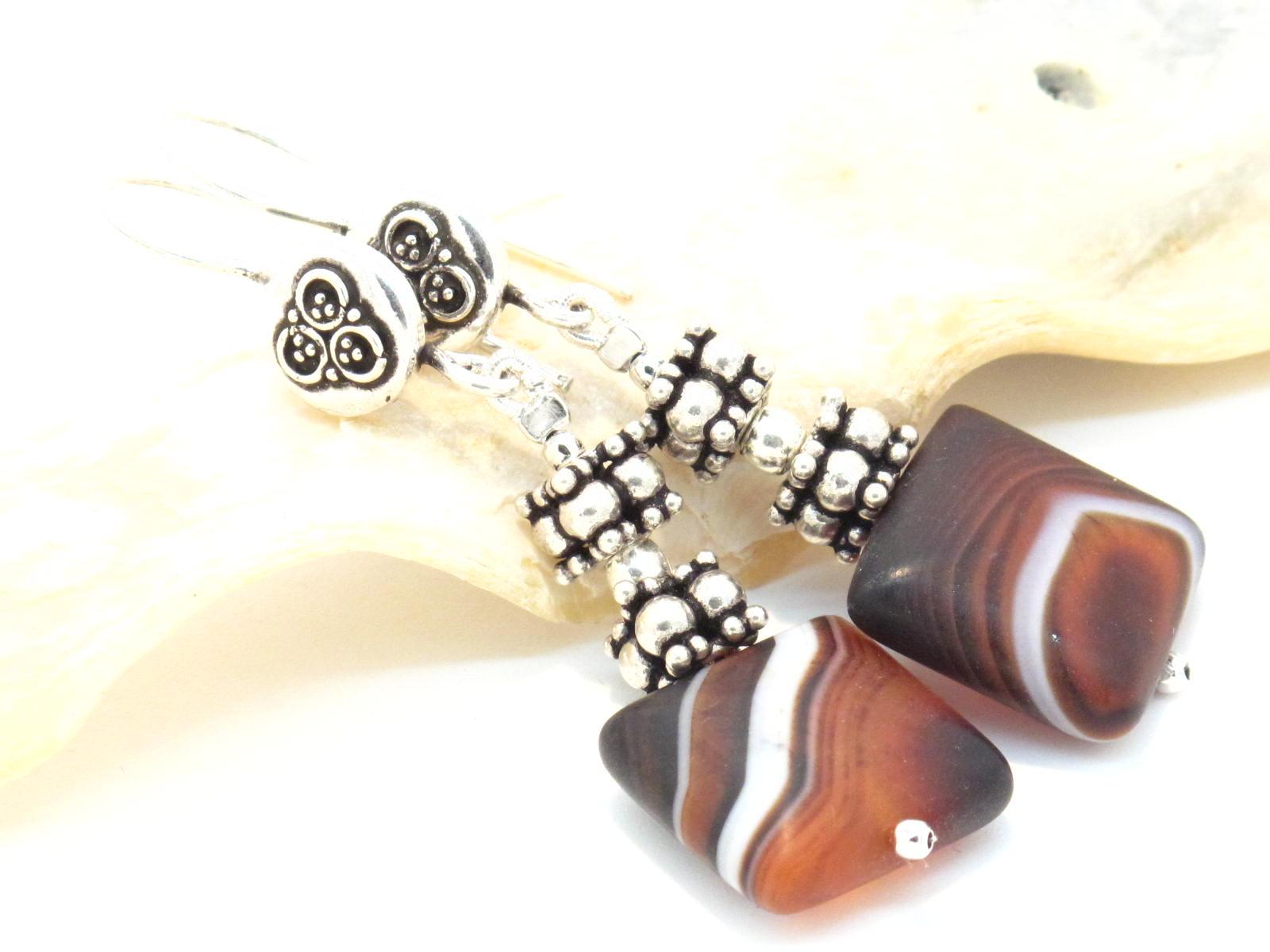 orecchini in argento e agata quadrata