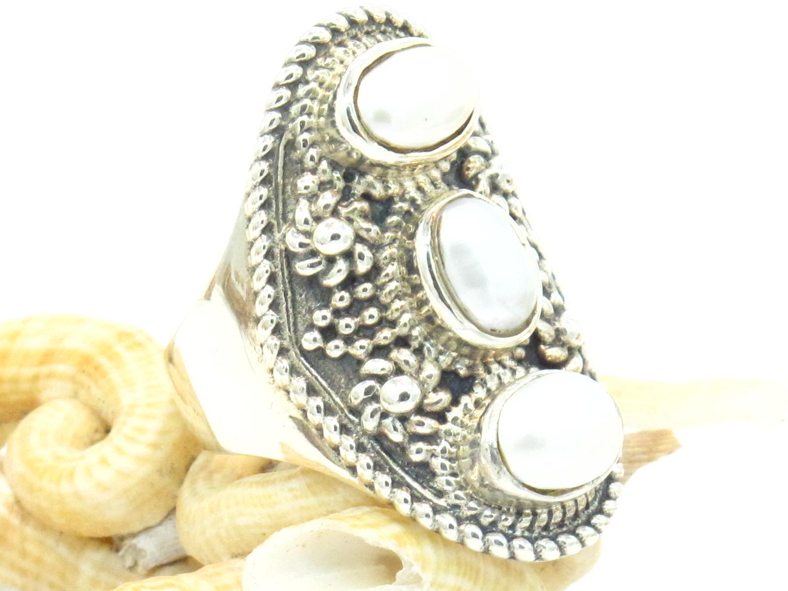 anello a sella nepalese argento e perle di fiume
